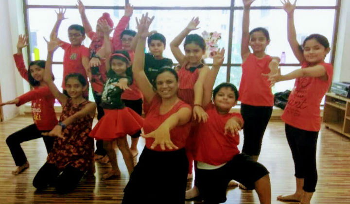 Rhythms & Beats in Hyderabad offers Contemporary, Semi Classical, Hip Hop, Wedding Choreography & Much More
