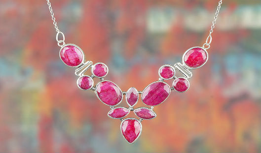 7 Stylish Gemstone Necklace that looks Perfect with your Summer Floral Dress