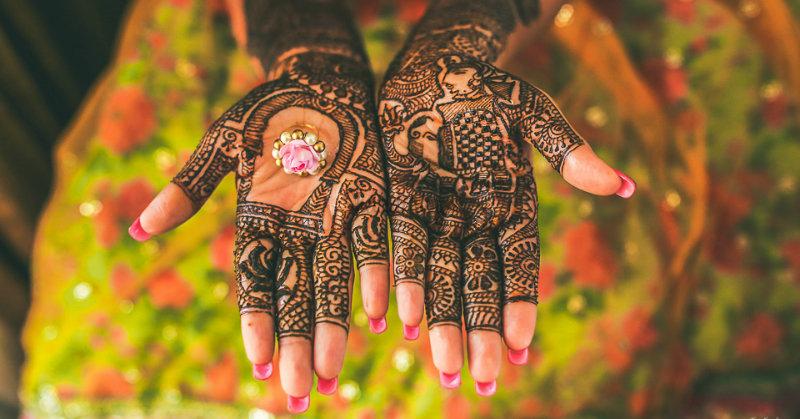 33 Newest Bridal Mehndi Designs For Hands & Feet