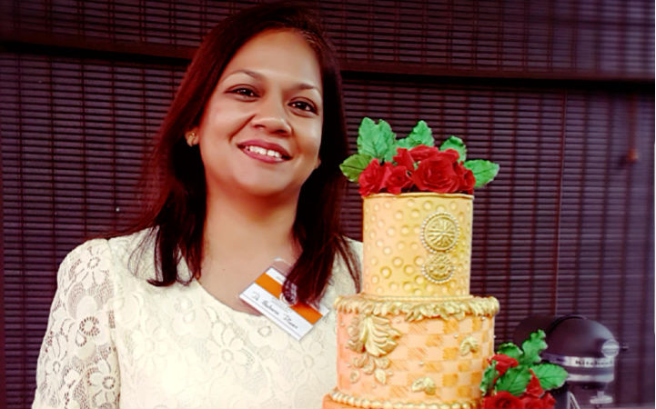 Meet Archana Diwan- The Dentist Turned Cake Artist who created Guinness Book of World Records