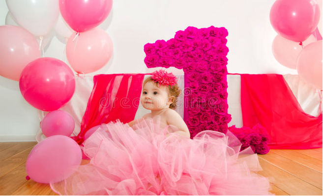 7 Cute Birthday Dresses for Baby Girl on her First Birthday