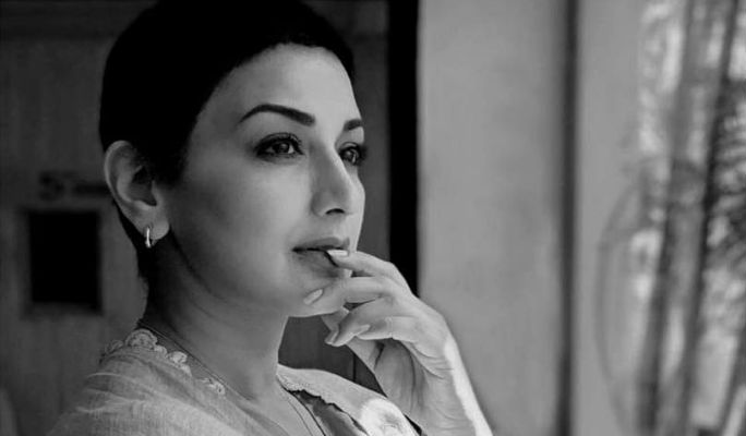 Sonali Bendre shares an inspiring message on World Cancer Day 2019