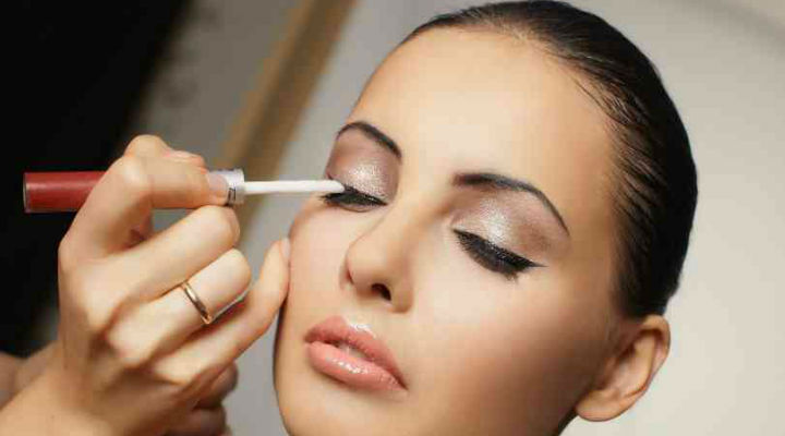 Tips and Tricks to Rainproof your makeup this Monsoon