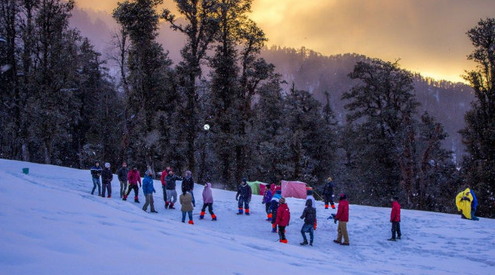 Never Seen Snow? Here Are 8 Places  In India To Experience It In December & January