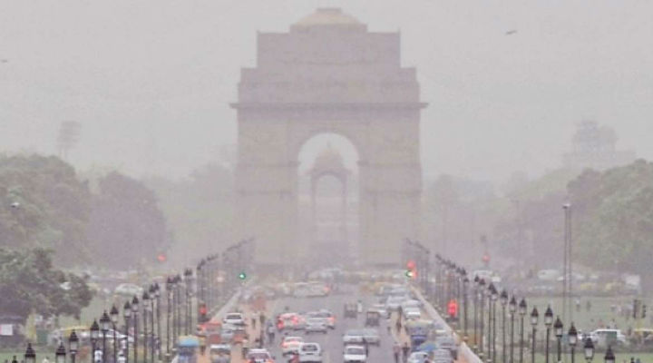 Delhi air quality remains 'moderate', expected to worsen on Friday
