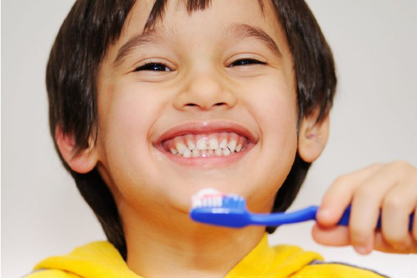 A dental guide for parents – do's and don'ts for their kid's oral hygiene