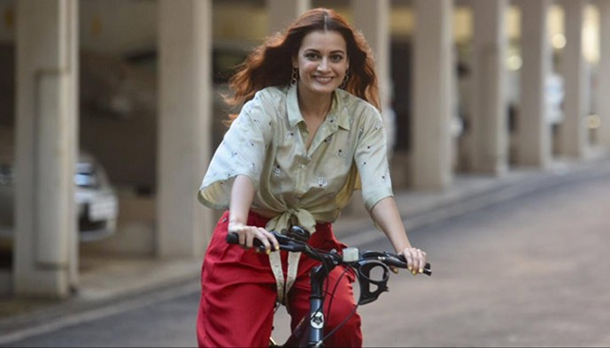 """World Bicycle Day: Dia Mirza asks for """"more cycling tracks"""" from BMC as she shares throwback pictures of her riding a bike"""