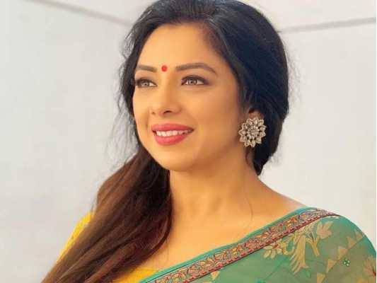 TV Serial Anupama's lead actress Rupali Ganguly's Ethnic Looks are in trend for the upcoming festive season